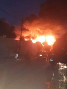18 فرقة اطفاء تكافح حريقاً في نينوى (صور)