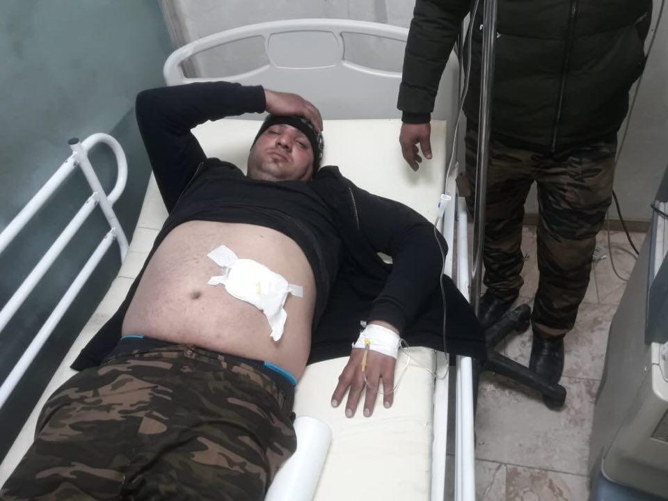 """قيادة عمليات بغداد تنشر صور جنود مصابين: نتعرض لـ""""الصجم"""" في الخلاني"""