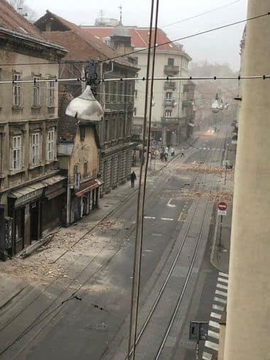 مشاهد مروّعة من زلزال كرواتيا: كتل كونكريتية تسقط فوق السيارات..