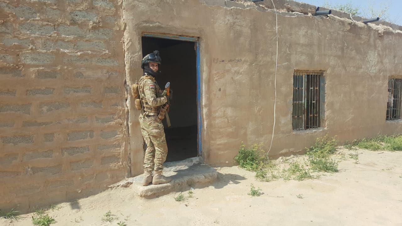 """صهريج داخل """"تل وهمي"""": صور من آخر عملية للقوات الأمنية"""
