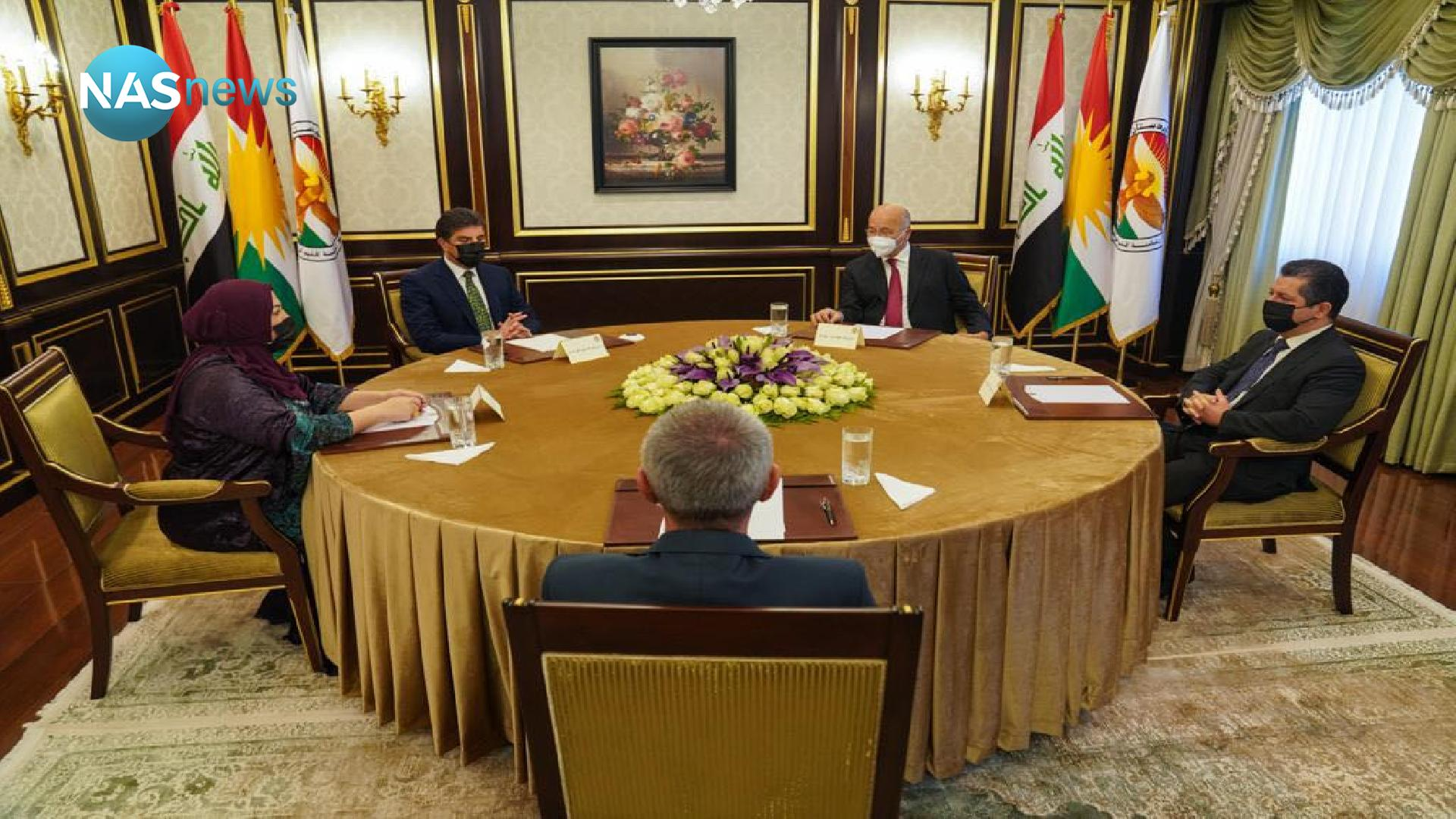 Saleh discusses the political, financial, security and health files with the region's presidencies